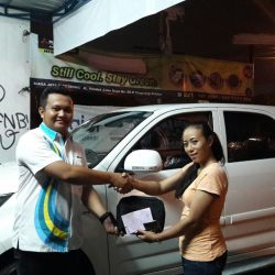 Foto Penyerahan Unit 10 Sales Marketing Mobil Dealer Daihatsu Pamulang Santos