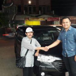 Foto Penyerahan Unit 11 Sales Marketing Mobil Dealer Daihatsu Pamulang Santos