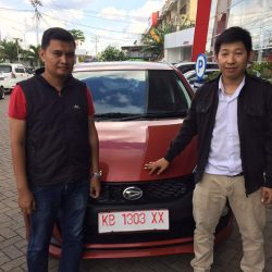 Foto Penyerahan Unit 19 Sales Marketing Mobil Dealer Daihatsu Pontianak Riyanto