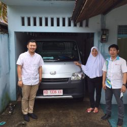 Foto Penyerahan Unit 21 Sales Marketing Mobil Dealer Daihatsu Pontianak Riyanto