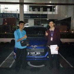 Foto Penyerahan Unit 9 Sales Marketing Mobil Dealer Daihatsu Jakarta Barat Bayu