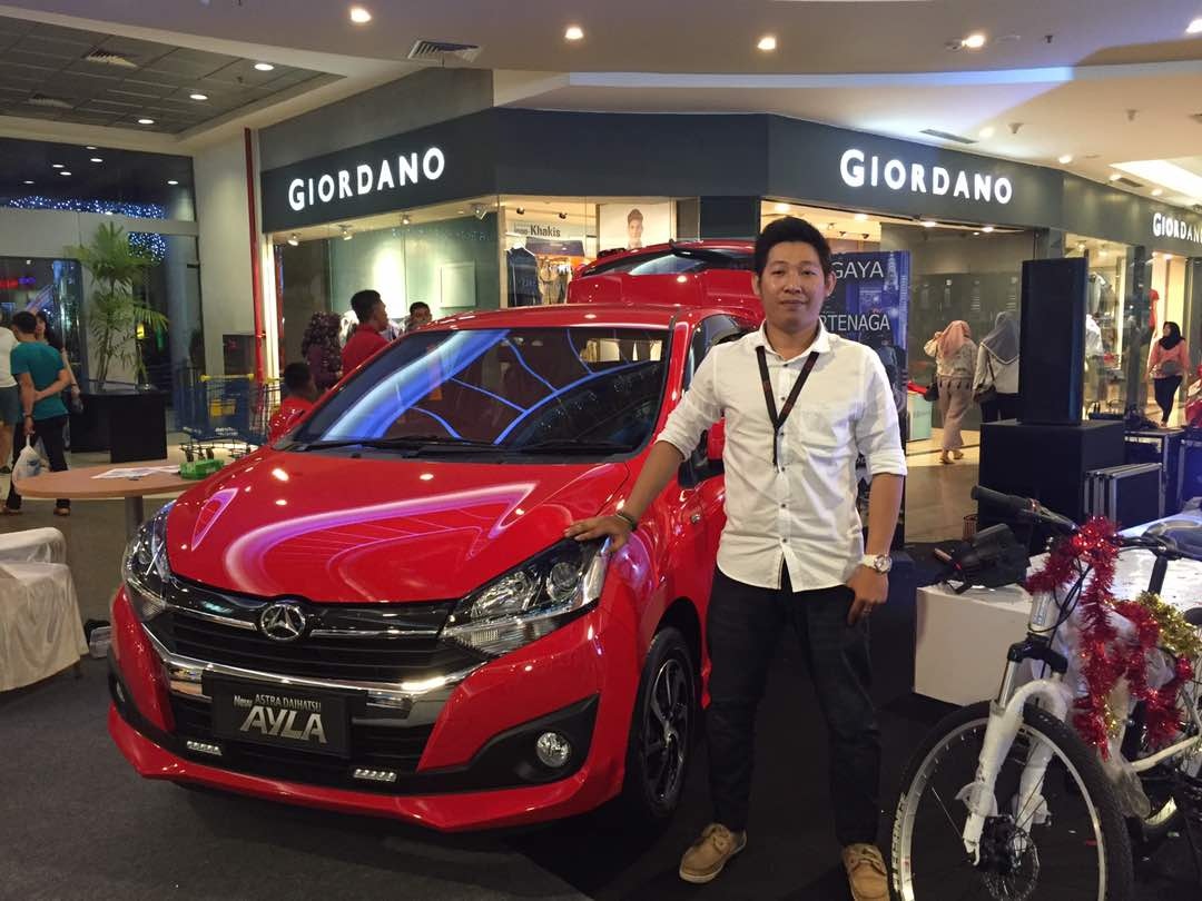Sales Marketing Mobil Dealer Daihatsu Pontianak Riyanto