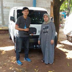 Foto Penyerahan Unit 1 Sales Marketing Daihatsu Jakarta Barat Agung