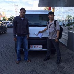 Foto Penyerahan Unit 15 Sales Marketing Mobil Dealer Daihatsu Pontianak Riyanto
