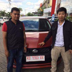 Foto Penyerahan Unit 19 Sales Marketing Mobil Dealer Daihatsu Pontianak Riyanto