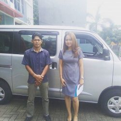Foto Penyerahan Unit 5 Sales Marketing Mobil Dealer Daihatsu Ranti
