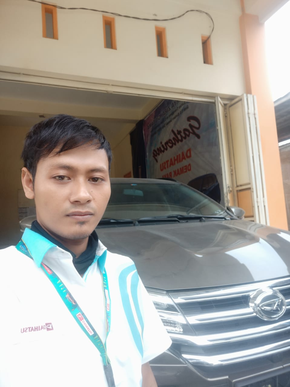 Sales Marketing Mobil Dealer Daihatsu Munib