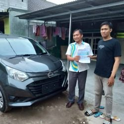 Do 4 Sales Marketing Mobil Dealer Daihatsu Arya