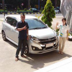 DO-6-Sales-Marketing-Mobil-Dealer-Daihatsu-Dessy